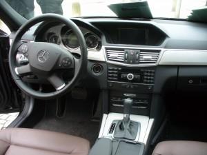 Interiér Mercedes Benz E220 CDI AUTOMAT
